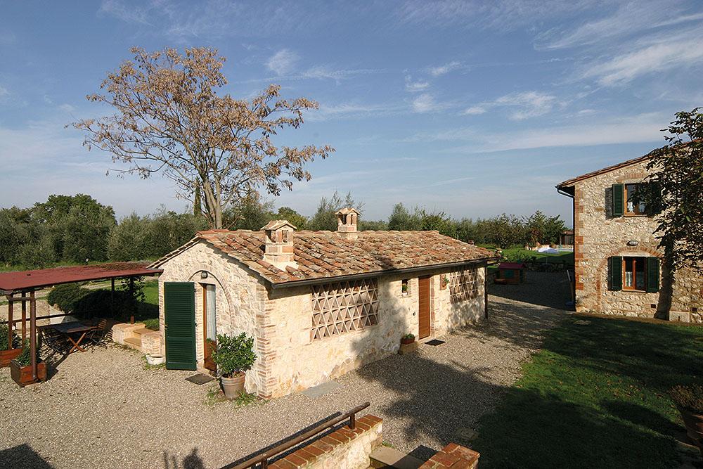 toscana italy guesthouse colledivaldelsa tuscany podere fontemaggio garden